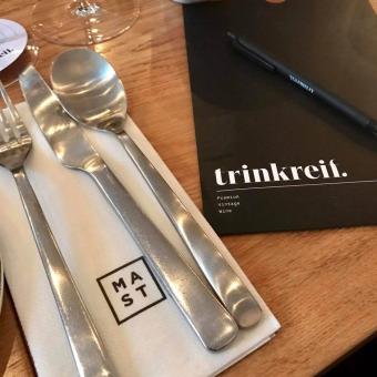 Nachlese trinkreif bittet zu Tisch im MAST